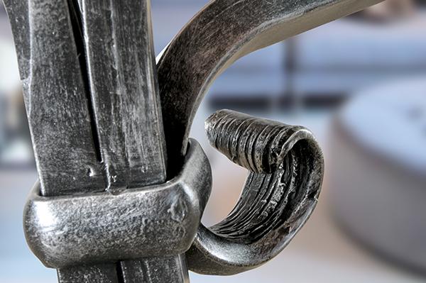 Tavolo da esterni giotto tavoli ferro battuto for Salotti in ferro battuto per esterni