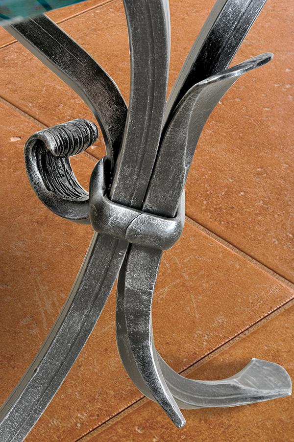 Tavolo da interni giotto tavoli ferro battuto - Tavolo ferro battuto e vetro ...
